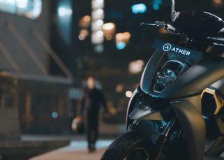 Scooter électrique, stationné